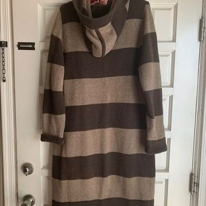 Old navy long sweater XL